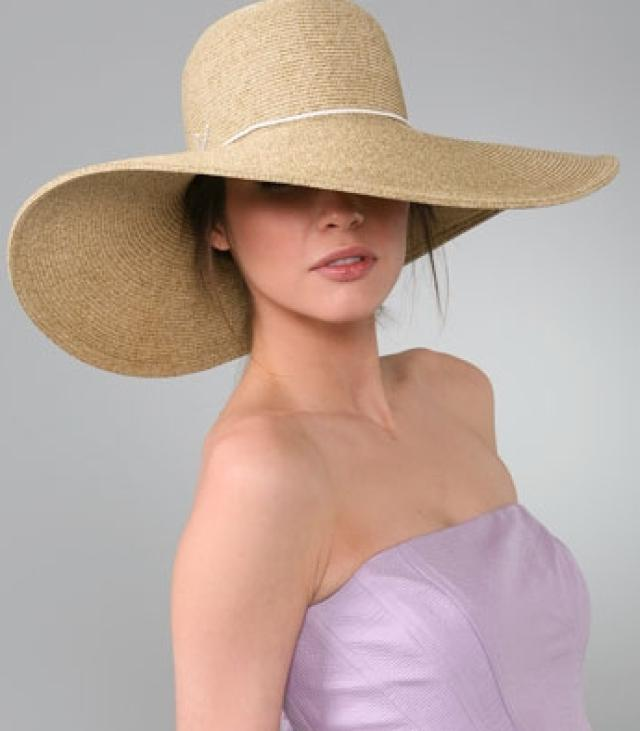 This classic floppy beach hat combines fashion with function by providing superior sun protection, even to your shoulders, with an ultra wide 6