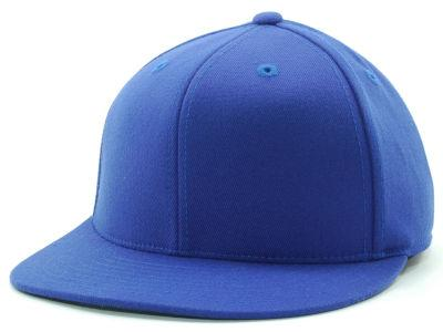 Fashionable brimmed caps are more common in the UK though like this but  usually only with teenagers. f00fcab8ef5